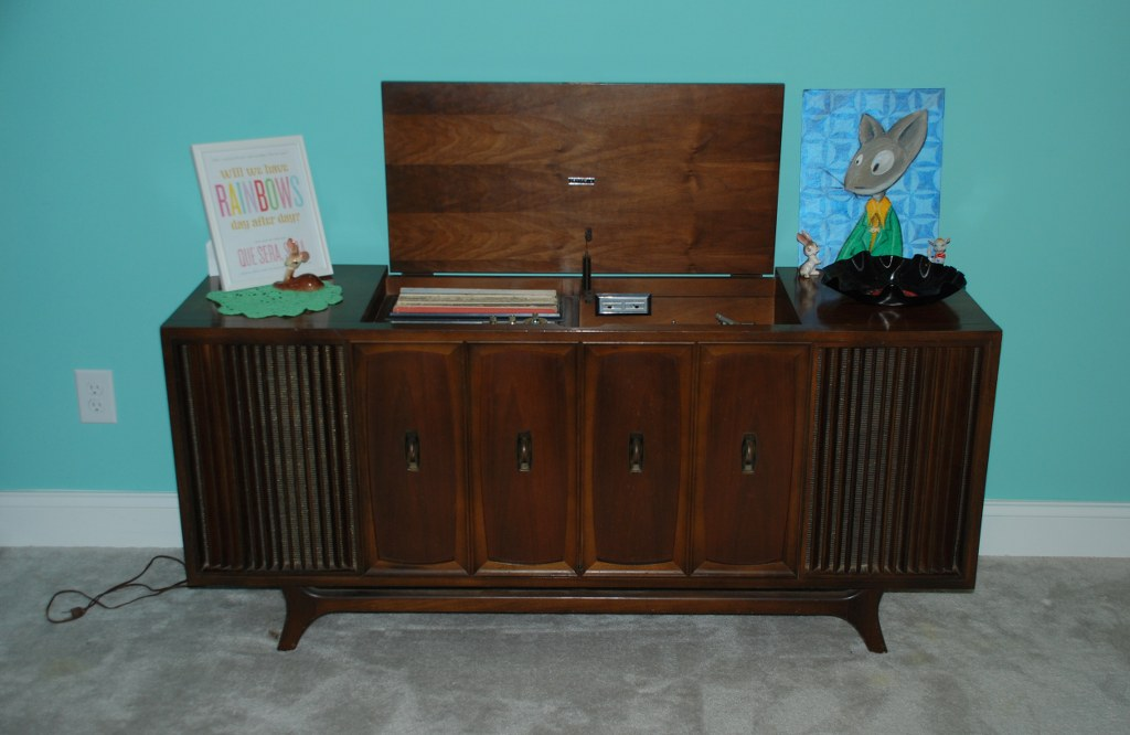 Vintage Zenith Record Player and Record Bowl DIY - My So ...