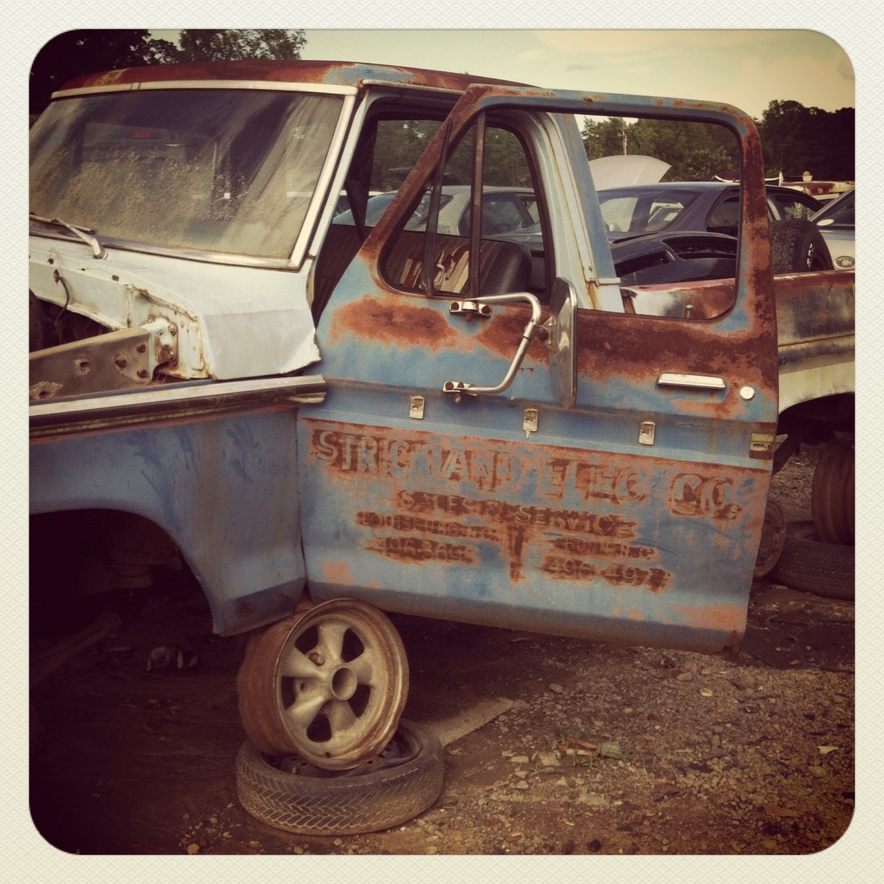20120601 120949 I Heart Instagram & The Junkyard