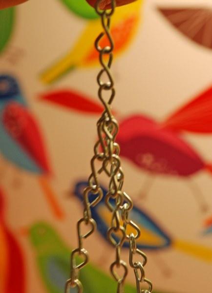 dsc 0202 434x6001 DIY Teacup Bird Feeder