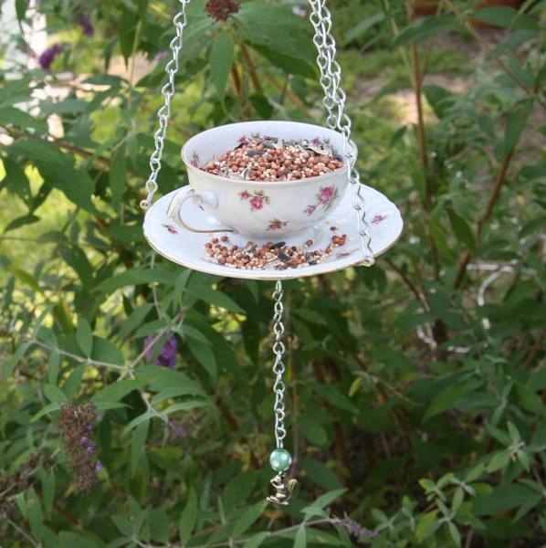 img 8230 598x600 DIY Teacup Bird Feeder