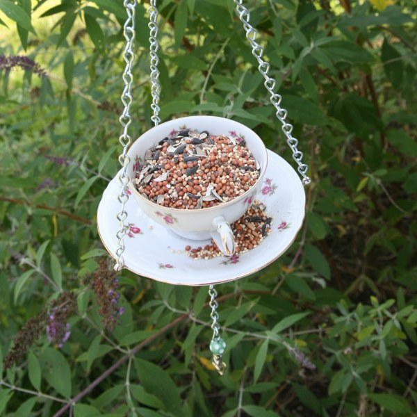 img 8239 600x6001 DIY Teacup Bird Feeder