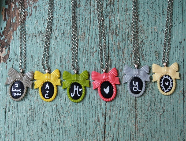 img 8935 794x6001 DIY Shabby Chalkboard Necklaces