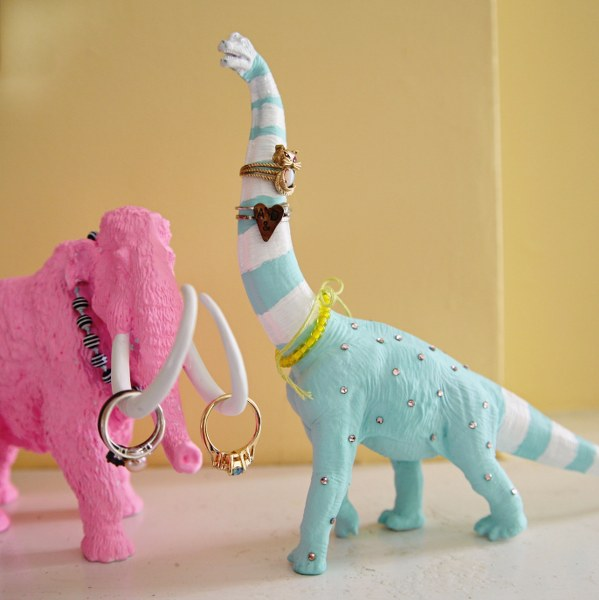img 9917 599x6002 DIY Pretty Prehistoric Ring Holders
