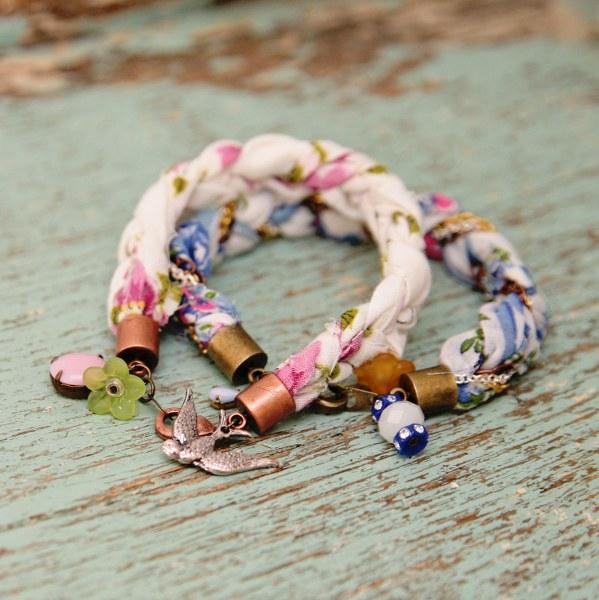 IMG 0531 copy 599x600 DIY Sweet Hankie Bracelets