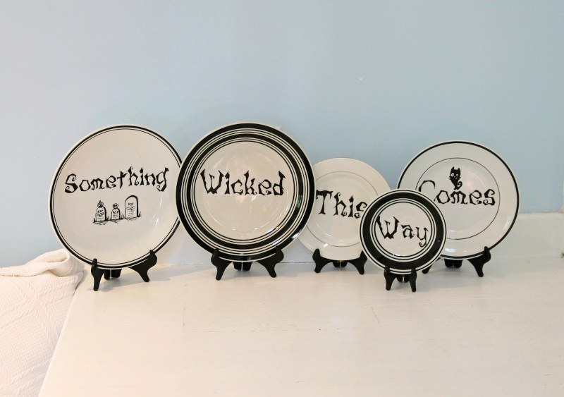 IMG 2842 800x563 13 Days of Halloween  DIY Macbeth Quote Plates