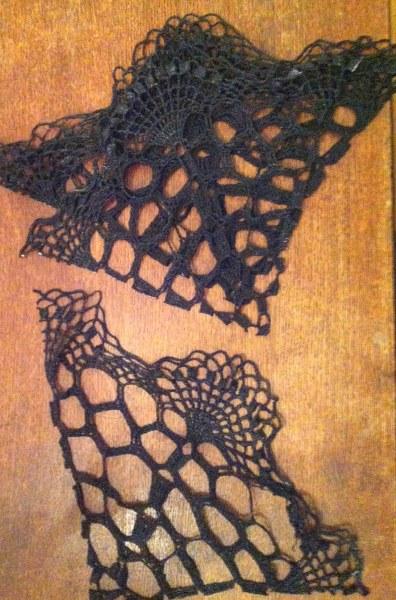 IMG 4632 396x600 13 Days of Halloween  Doily Spiderweb Corbels
