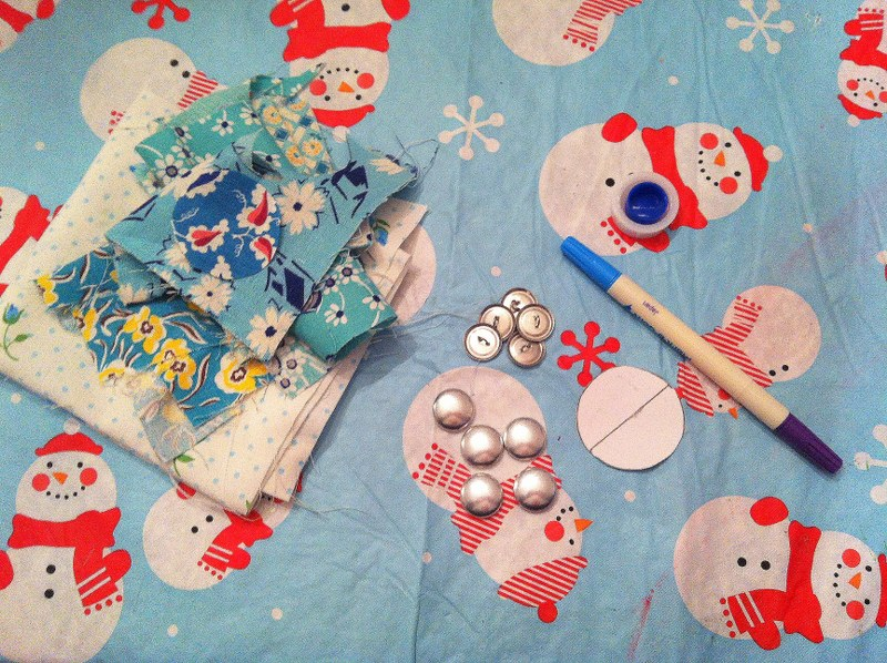 IMG 4986 800x598 12 Days of Handmade Gifts  Vintage Feedsack Chalkboard Lockets
