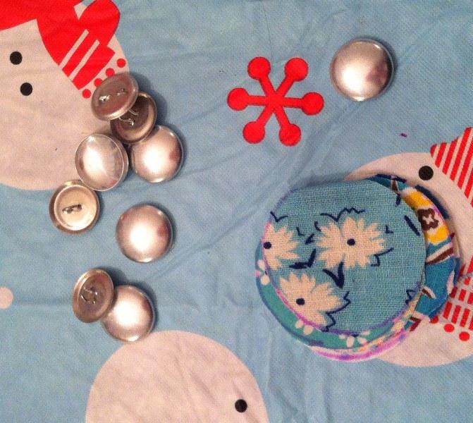 IMG 4990 671x600 12 Days of Handmade Gifts  Vintage Feedsack Chalkboard Lockets