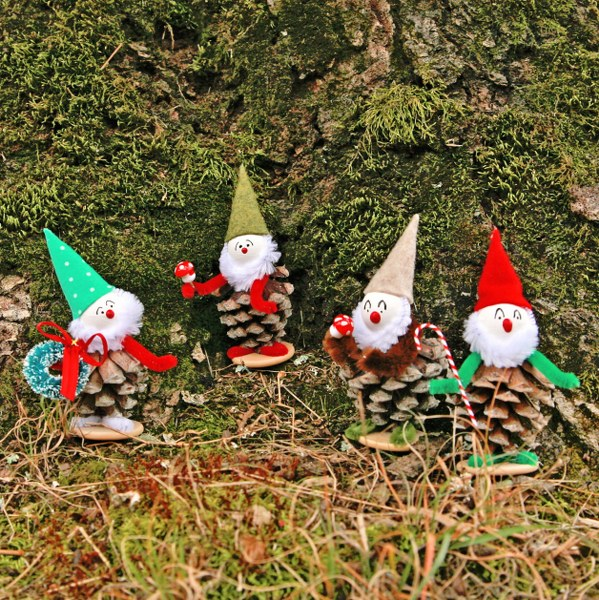 IMG 8348 599x600 Vintage Inspired Christmas Pine Cone Elves