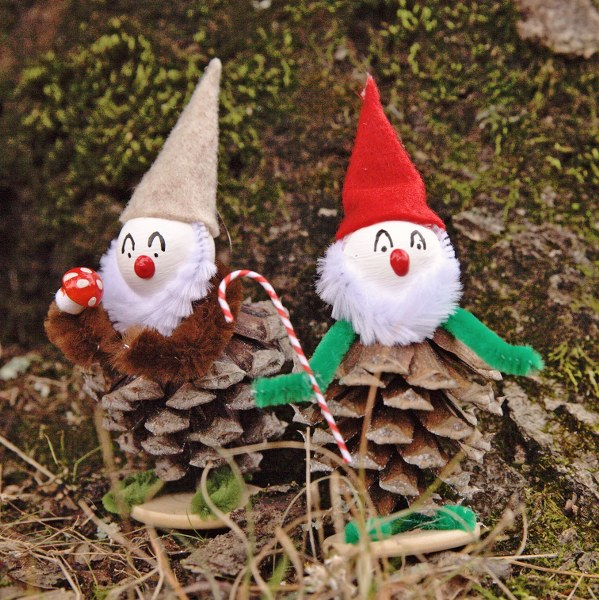 IMG 8354.CR2 599x600 Vintage Inspired Christmas Pine Cone Elves
