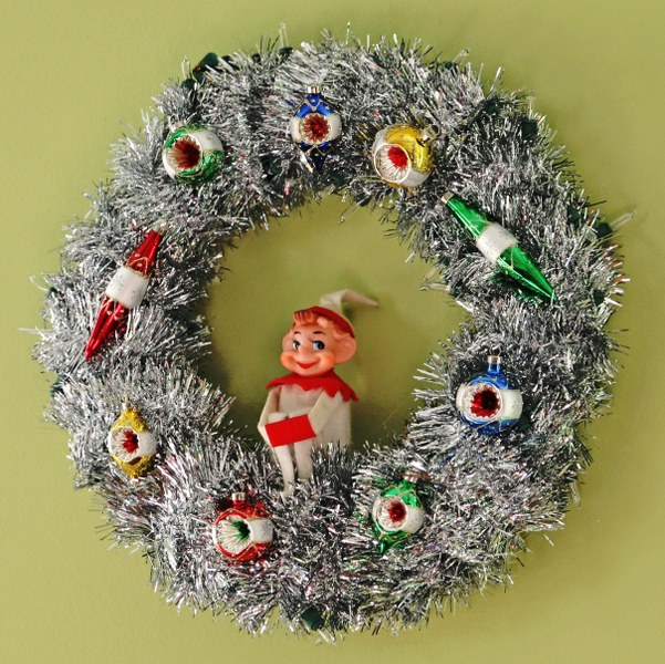 IMG 8547 601x600 DIY Retro Tinsel Christmas Wreathes