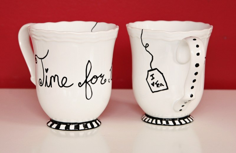 IMG 9018b 800x519 12 Days of Handmade Gifts  Fun Sharpie Mugs
