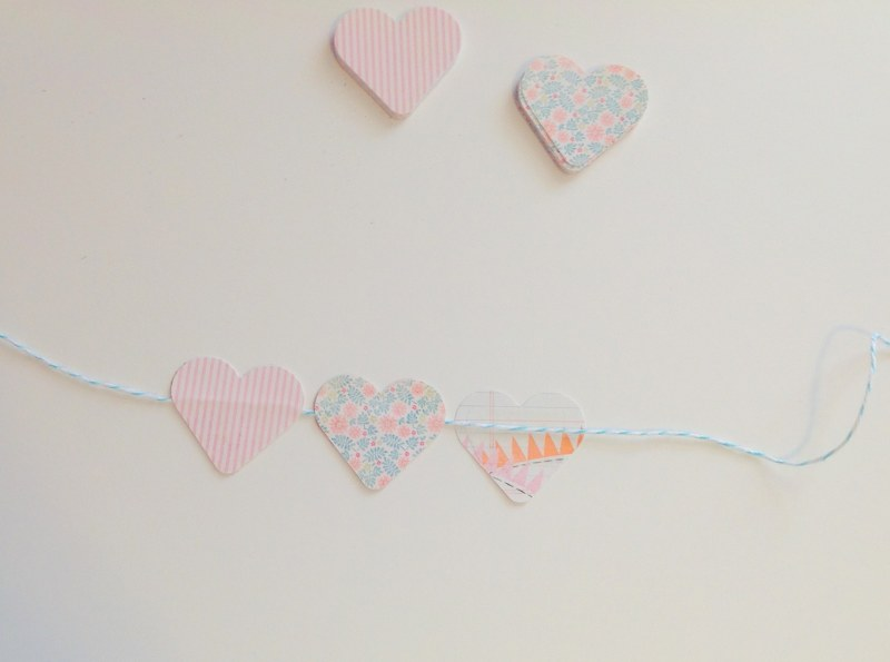 IMG 0457 800x595 14 Days of Love  DIY Sweetheart Cake Bunting and Picks