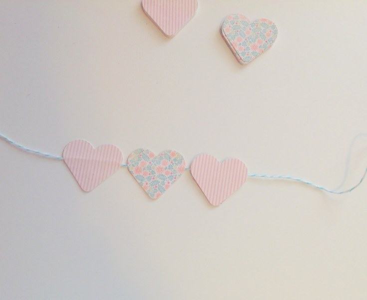 IMG 0458 735x600 14 Days of Love  DIY Sweetheart Cake Bunting and Picks