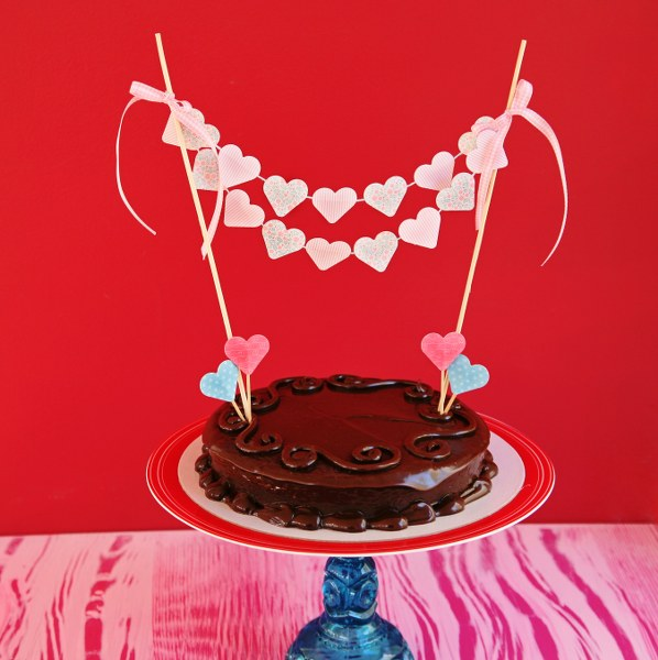 IMG 0796 598x600 14 Days of Love  DIY Sweetheart Cake Bunting and Picks