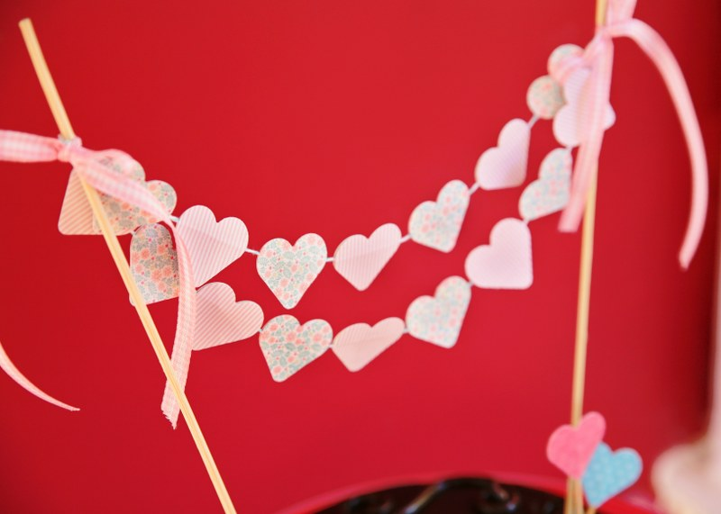 IMG 0802 800x571 14 Days of Love  DIY Sweetheart Cake Bunting and Picks
