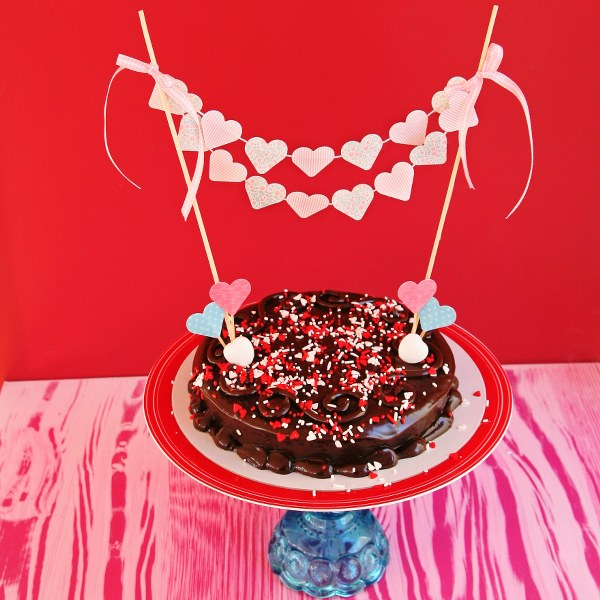 IMG 0808 600x600 14 Days of Love  DIY Sweetheart Cake Bunting and Picks
