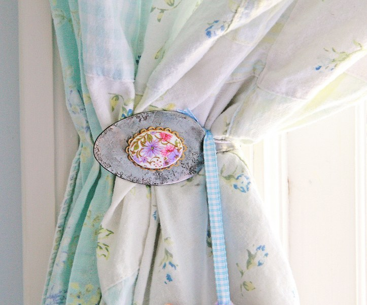 IMG 2406 723x600 DIY Vintage Spoon Curtain Tie Backs