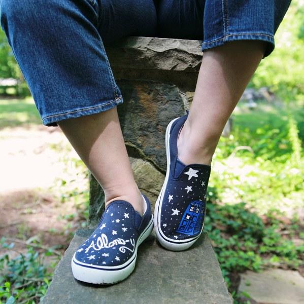 IMG 5166 599x600 DIY Painted Sneakers