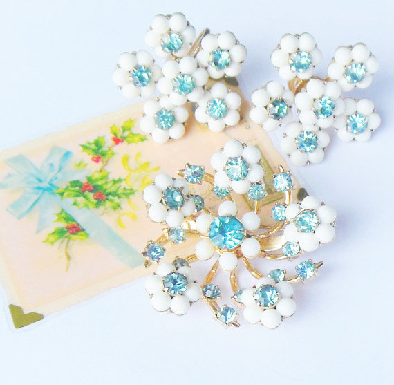 coro snowflake brooch set Favorite Vintage Finds of the Week  November 18th