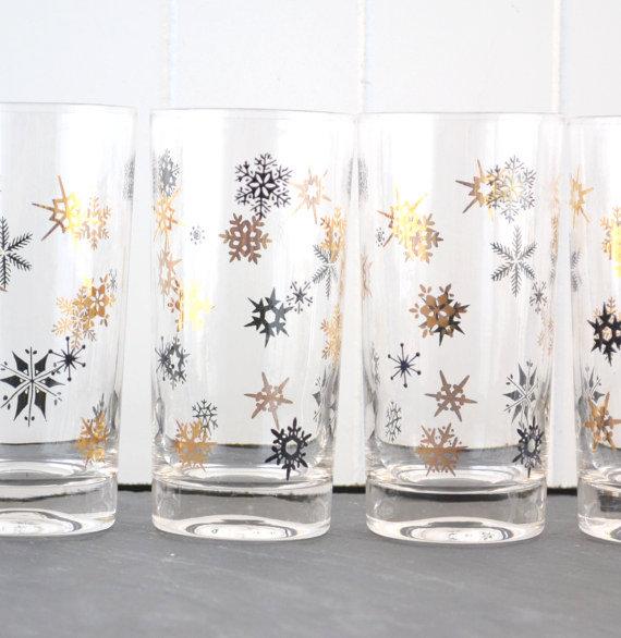 vintage snowflake glasses Favorite Vintage Finds of the Week  November 18th