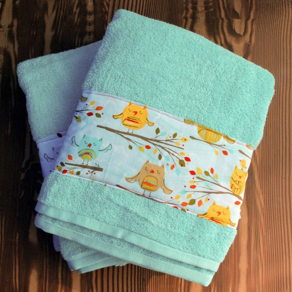 DSC 0002 2 2 600x600 DIY Fabric Embellished Towels