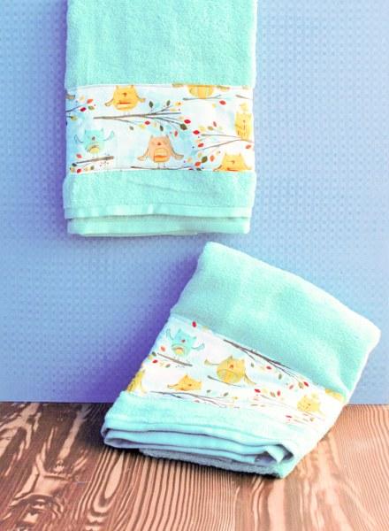 DSC 0007 2 440x600 DIY Fabric Embellished Towels