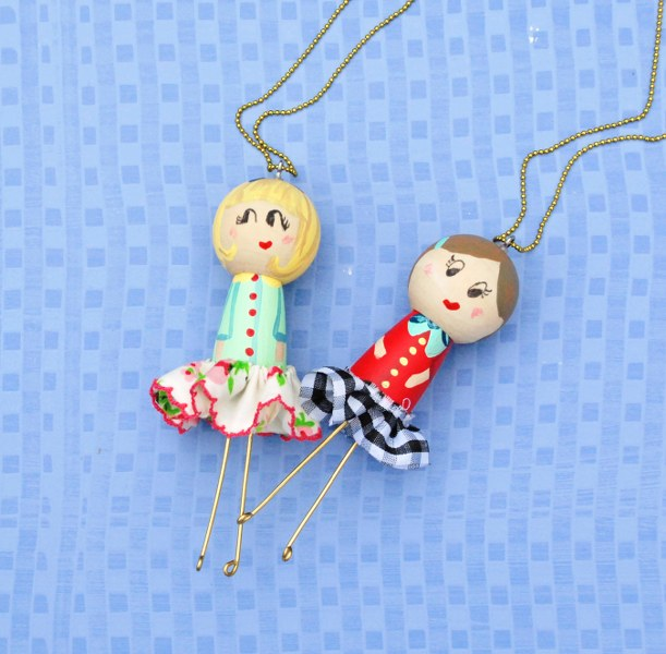 DSC 0137 611x600 DIY Wooden Doll Necklaces