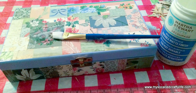 18 photo 4 Sweet Vintage Wallpaper Covered DIY Jewelry Box