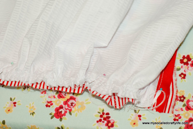 212 DIY Upcycled Vintage Tablecloth Apron