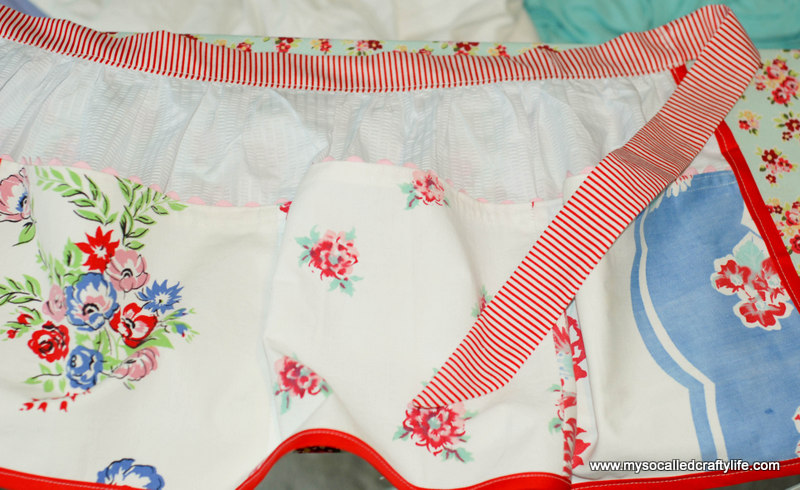 271 DIY Upcycled Vintage Tablecloth Apron