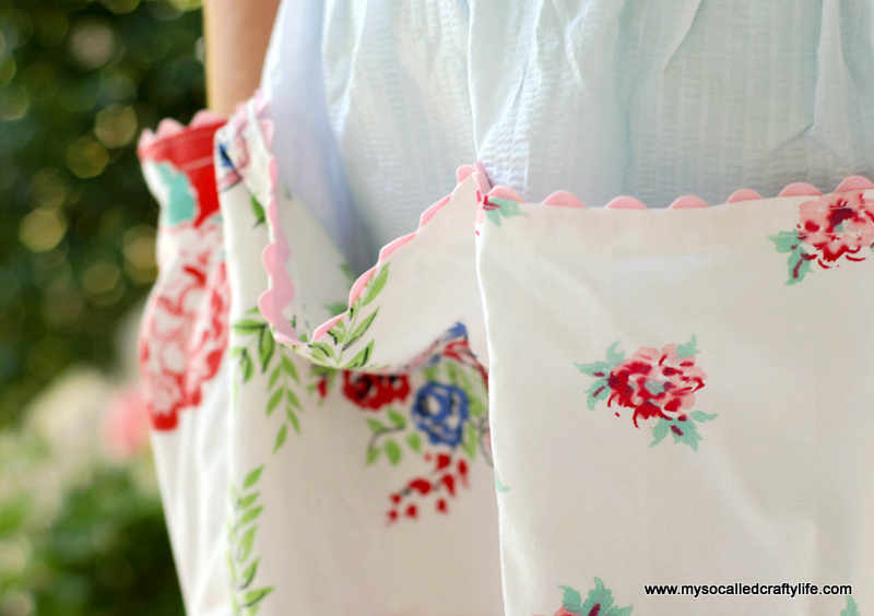 retro apron DIY Upcycled Vintage Tablecloth Apron