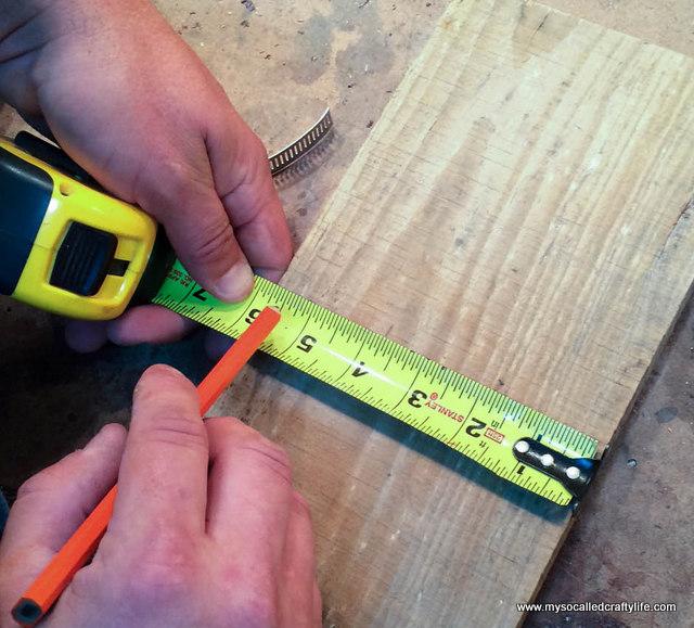 10 DIY Mason Jar Reclaimed Wood Wall Hanging