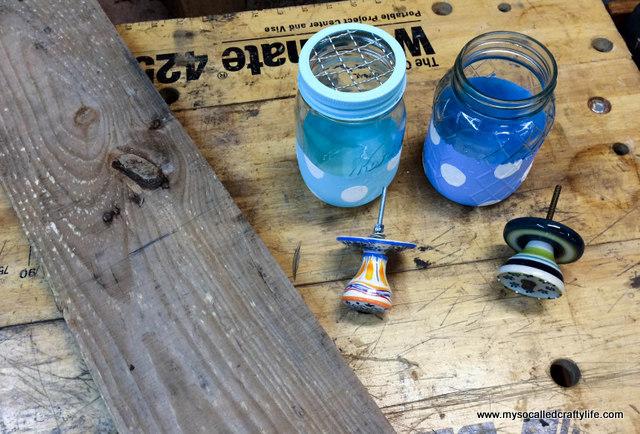 11 DIY Mason Jar Reclaimed Wood Wall Hanging