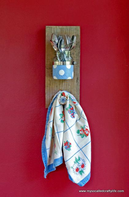 mason jar wall sconce DIY Mason Jar Reclaimed Wood Wall Hanging