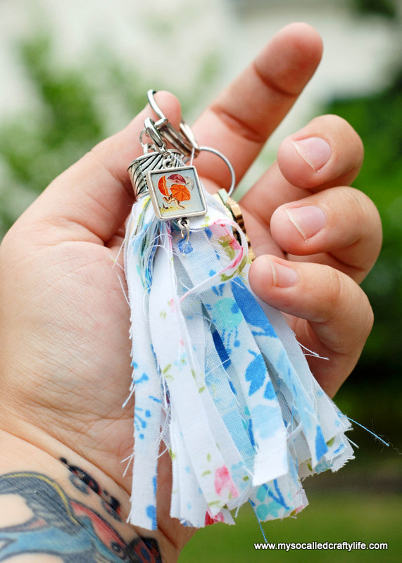 09 DSC 0075 2 Easy Vintage Fabric Tassel Key Chain