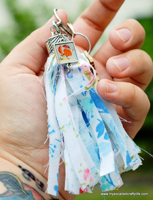 10 DSC 0076 2 Easy Vintage Fabric Tassel Key Chain