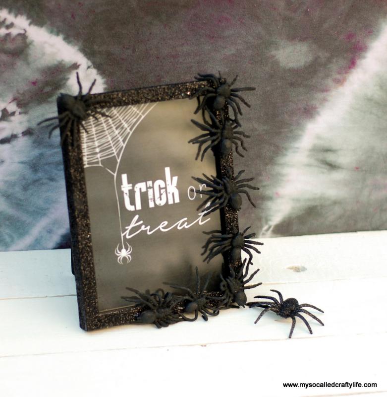 01 DSC 0131 3 Easy DIY Halloween Glitter Frame
