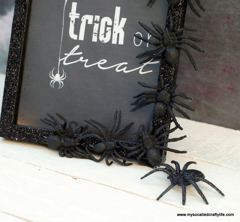 03 DSC 0126 3 Easy DIY Halloween Glitter Frame