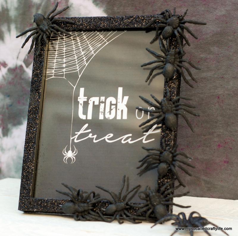 04 DSC 0125 3 Easy DIY Halloween Glitter Frame