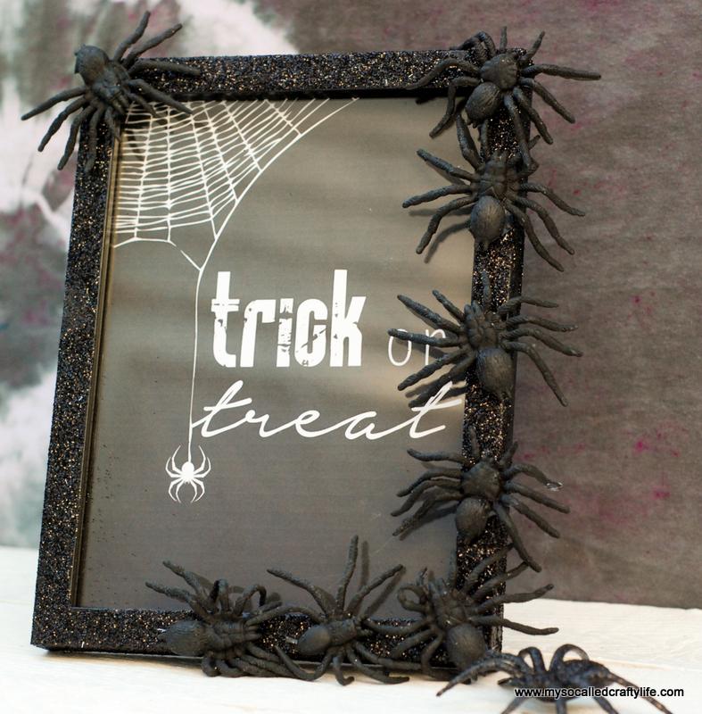 05 DSC 0124 3 Easy DIY Halloween Glitter Frame