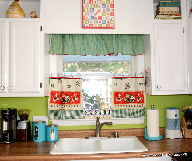 Diy Upcycled Vintage Tea Towel Christmas Curtains My So Called
