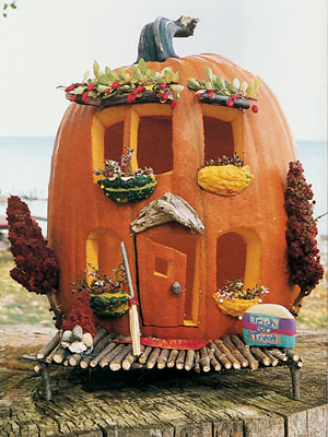 ghk house pumpkin 1004 mdn 14527913 Halloween DIY Round Up  October 2014