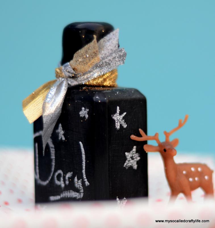 01 DSC 1150 Easy Chalkboard Mini Liquor Bottle Favor Place Cards
