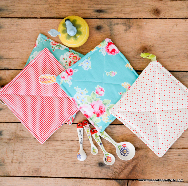 02 DSC 0886 Handmade Gifts 2014  Easy Vintage Tablecloth Fabric Handmade Hot Pads