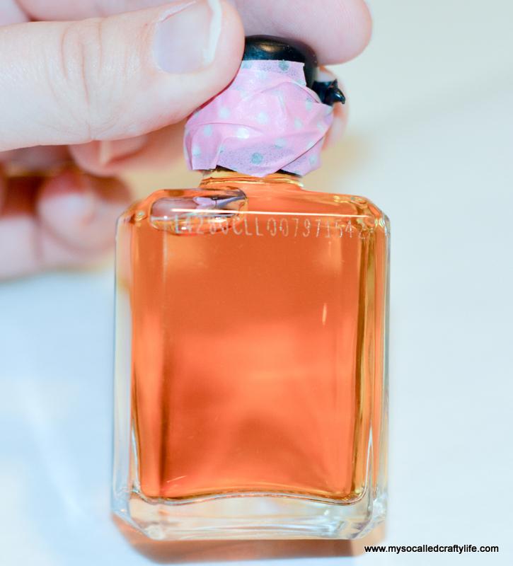 11 DSC 1131 Easy Chalkboard Mini Liquor Bottle Favor Place Cards
