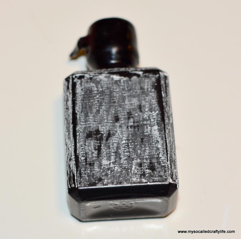 14 DSC 1134 Easy Chalkboard Mini Liquor Bottle Favor Place Cards