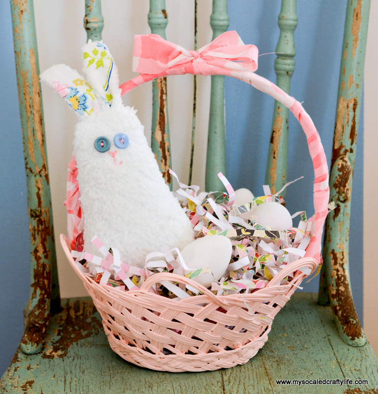 03 DSC 1850 DIY Easy Upcycled Painted Easter Baskets