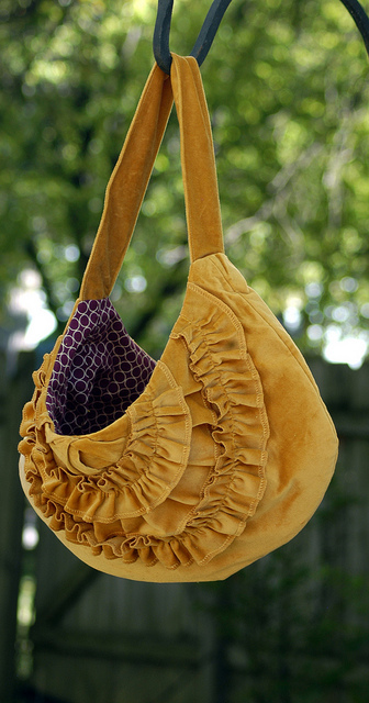 5062050481 7bb17c5c7c z Fabulous Handmade Bags and Totes Round Up
