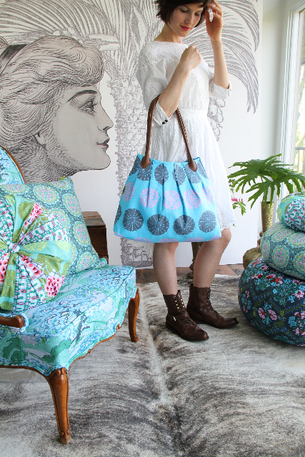6a00d8341c574653ef0176178612df970c 500wi Fabulous Handmade Bags and Totes Round Up
